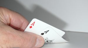 The importance of estimating your opponent's range in online poker